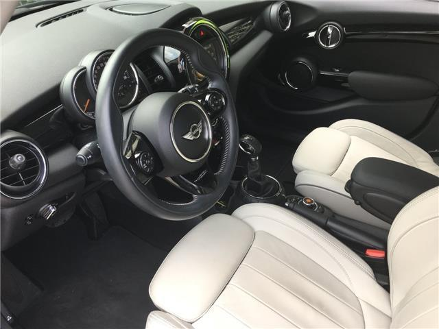MINI COOPER (10/2016) - BLACK - lieu: