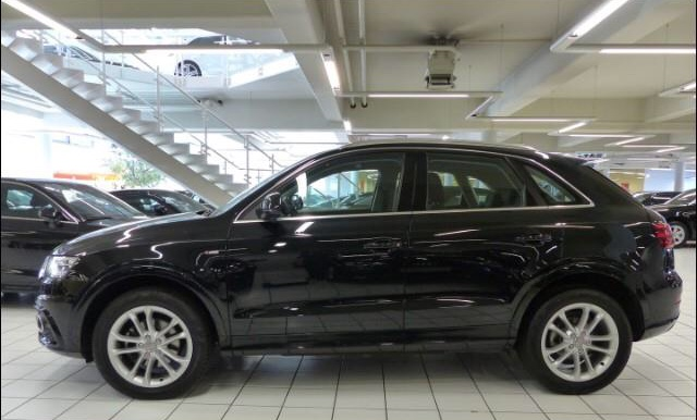 AUDI Q3 (05/2014) - black metallic - lieu: