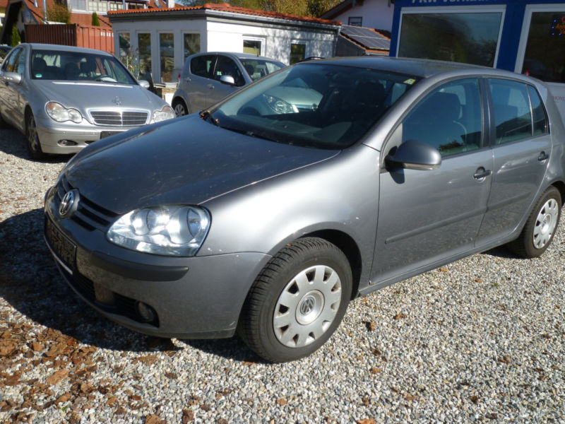 lhd VOLKSWAGEN GOLF (10/2004) - grey - lieu: