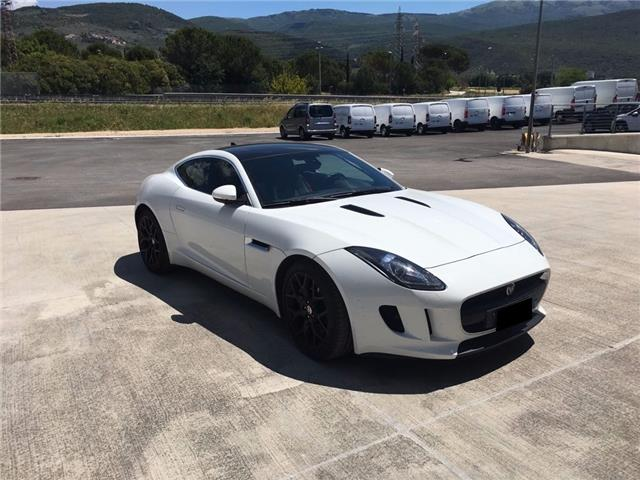 JAGUAR F-TYPE (03/2017) - white - lieu: