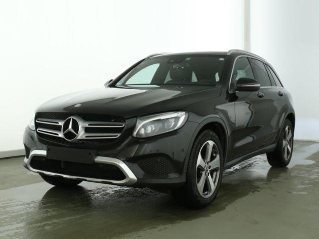 MERCEDES GLA (03/2017) - black - lieu: