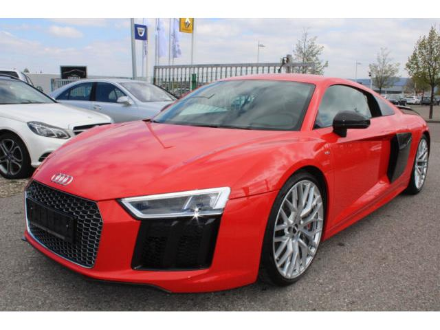 LHD AUDI R8 (01/02/2016) - red - lieu: