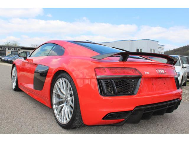 Left hand drive car AUDI R8 (02/2016) - red - lieu:
