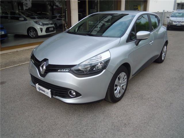 Left hand drive RENAULT CLIO 1.2 75CV