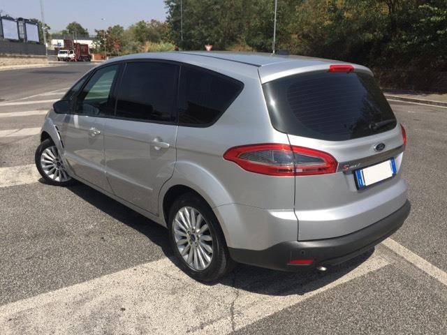 Left hand drive car FORD S MAX (01/2015) - silver - lieu: