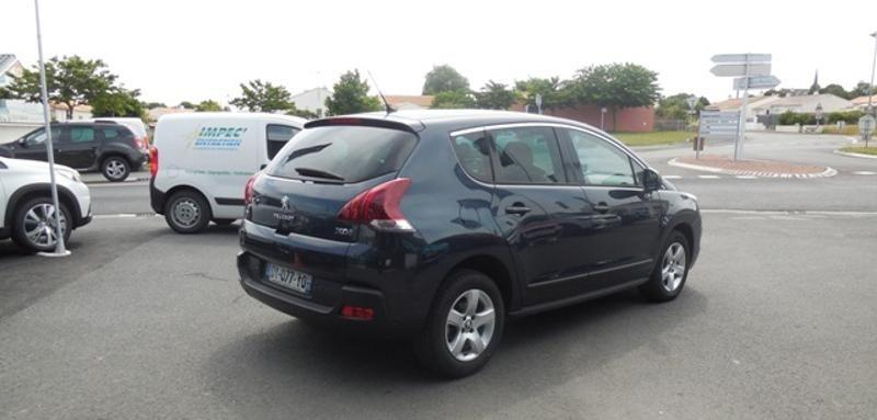 Left hand drive car PEUGEOT 3008 (03/2016) - BLUE - lieu: