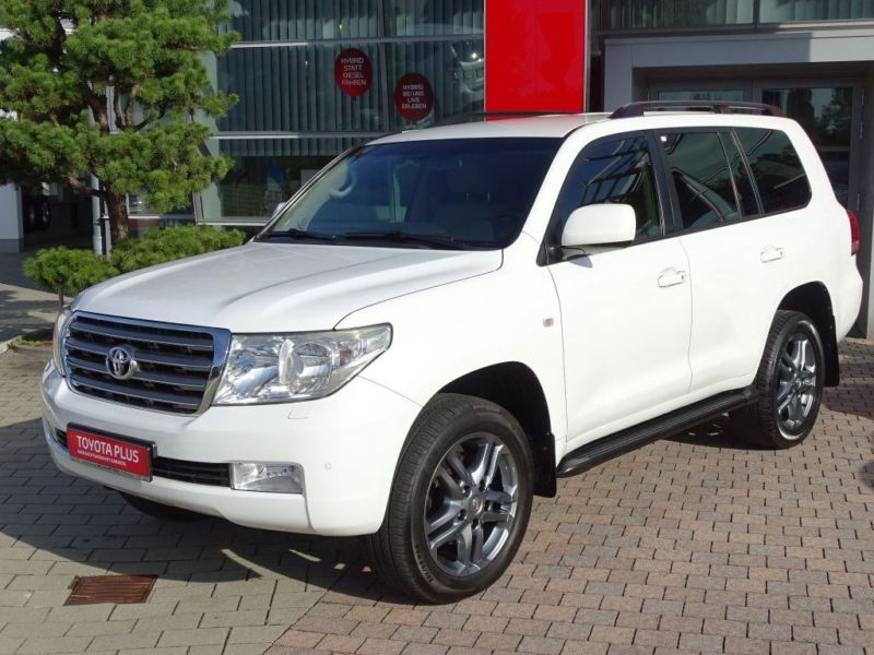 Left hand drive TOYOTA LANDCRUISER V8 D4D EXECUTIVE