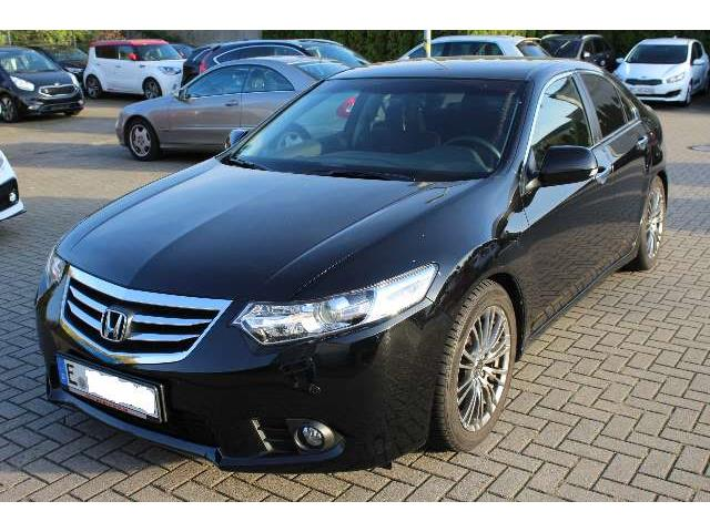 HONDA ACCORD (04/2015) - black - lieu: