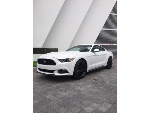 lhd car FORD MUSTANG (07/2017) - white - lieu: