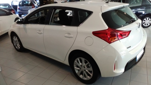 Left hand drive TOYOTA AURIS 120D Active Spanish Reg