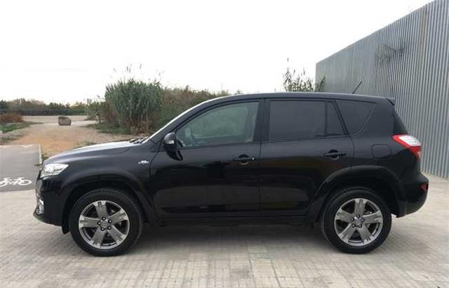 Left hand drive TOYOTA RAV 4 2.2 D4D Executive 4x4 Auto Spanish Reg