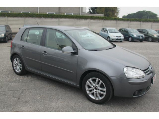 lhd VOLKSWAGEN GOLF (05/2006) - GREY - lieu: