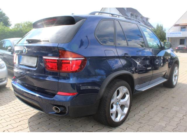 Left hand drive car BMW X5 (01/2012) - blue - lieu: