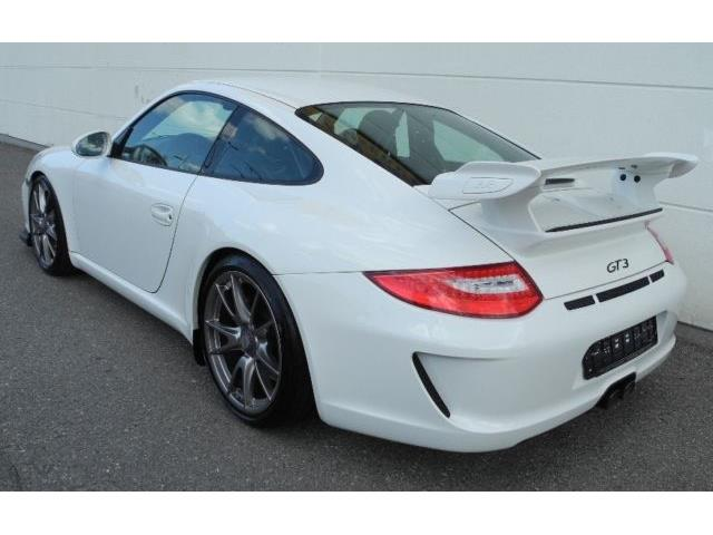 Left hand drive car PORSCHE 911 997 (05/2009) - white - lieu: