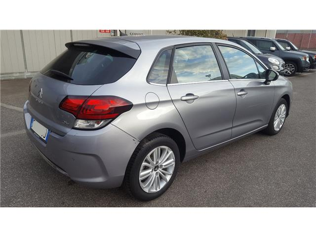Left hand drive CITROEN C4 BlueHDi 100 Feel