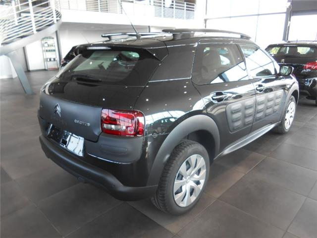 Left hand drive CITROEN C4 CACTUS BLUEHDI 100 FEEL