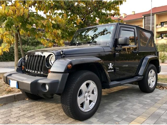 JEEP WRANGLER (05/2011) - black - lieu: