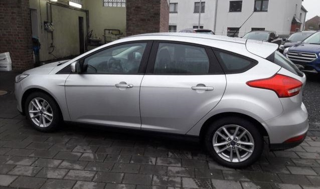 lhd car FORD Focus (04/2016) - Silver - lieu: