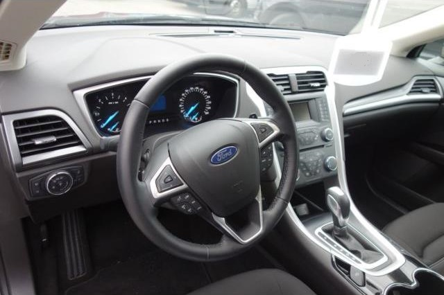 FORD MONDEO (01/2016) - Green - lieu: