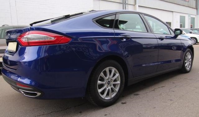 FORD MONDEO (08/2017) - Blue - lieu: