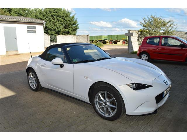 MAZDA MX 5 (04/2016) - white - lieu: