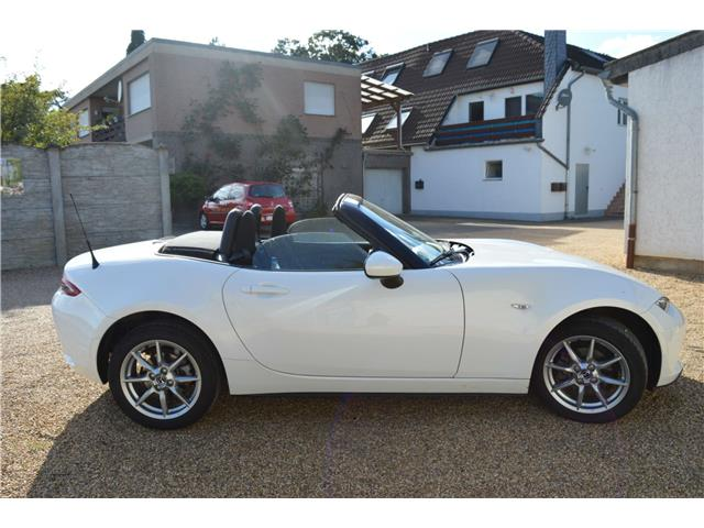 lhd car MAZDA MX 5 (04/2016) - white - lieu:
