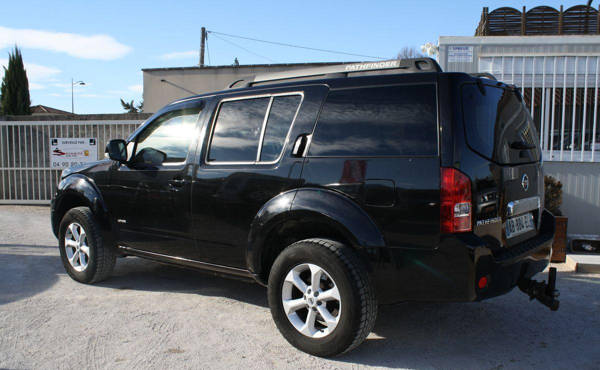 NISSAN PATHFINDER (10/2009) - BLACK