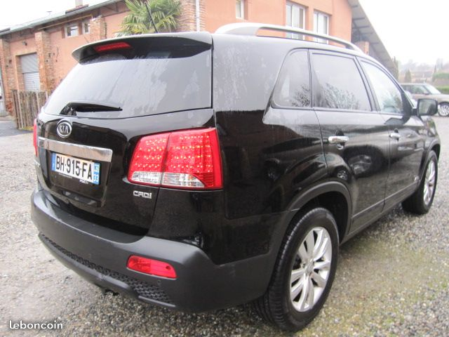 lhd car KIA SORENTO (09/2011) - BLACK - lieu: