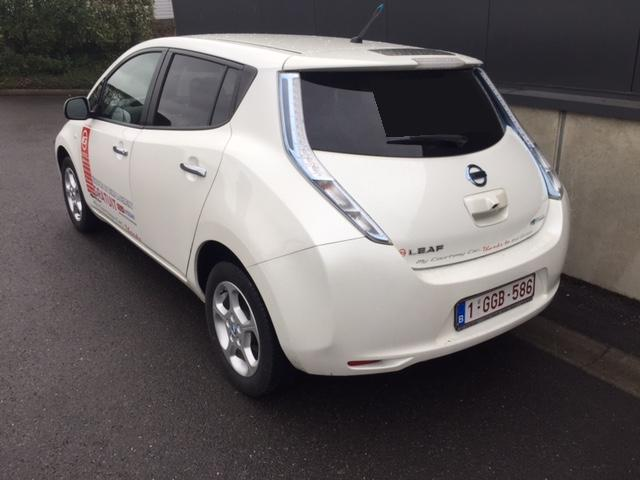 NISSAN LEAF (01/2015) - WHITE