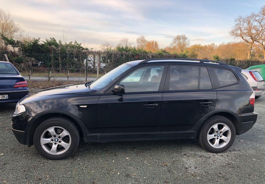 left hand drive BMW X3 (02/2008) - DARK BLUE - lieu: