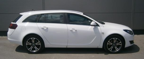 Left hand drive OPEL INSIGNIA Sports Tourer 4x4