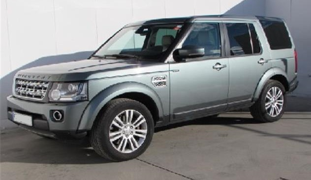 Left hand drive LANDROVER DISCOVERY 3.0 SDV6 HSE Spanish Reg