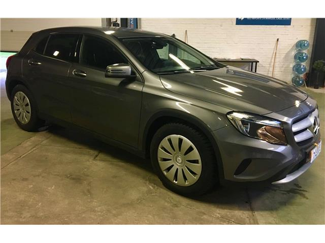 MERCEDES GLA (05/2016) - grey - lieu: