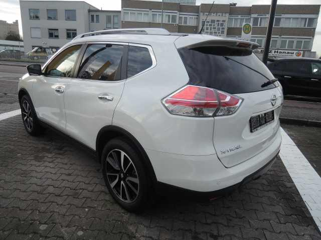 NISSAN X TRAIL (11/2016) - white