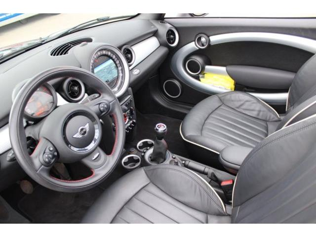 MINI COOPER (03/2016) - black - lieu: