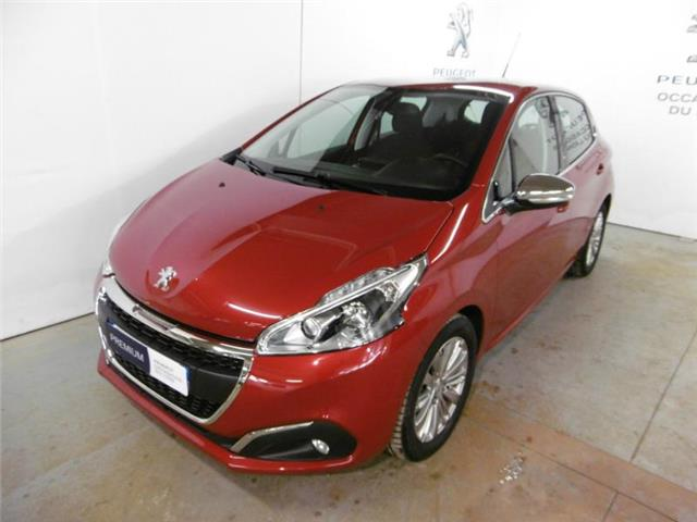 lhd PEUGEOT 208 (03/2017) - red