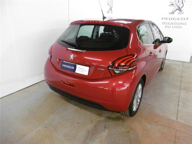 PEUGEOT 208 (03/2017) - red