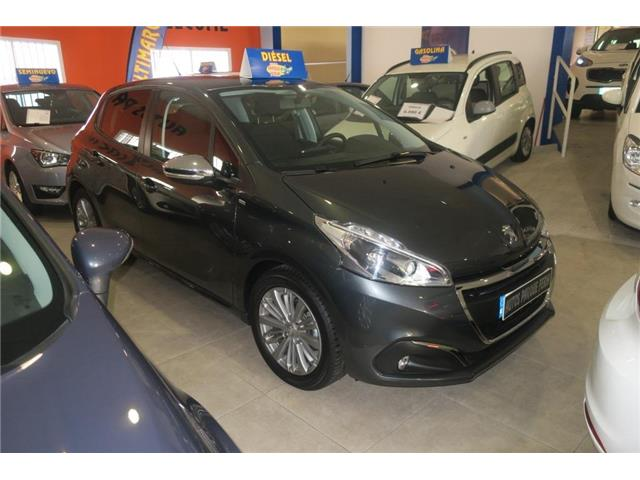 Left hand drive PEUGEOT 208  1.6BlueHDi Style 75