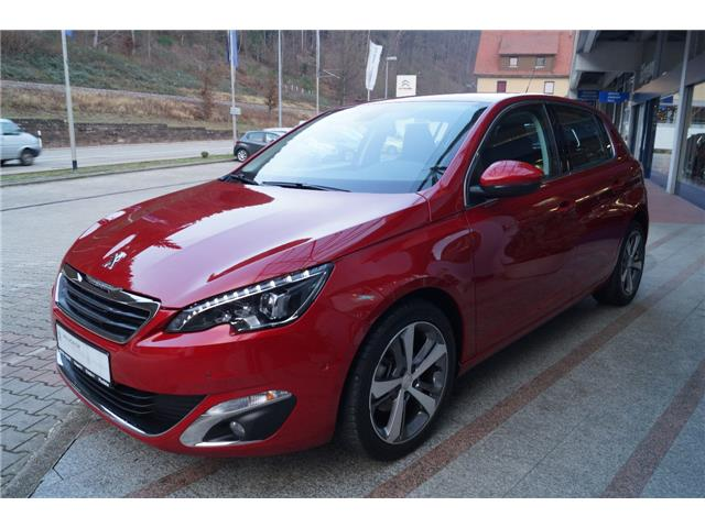 PEUGEOT 308 (04/2017) - red