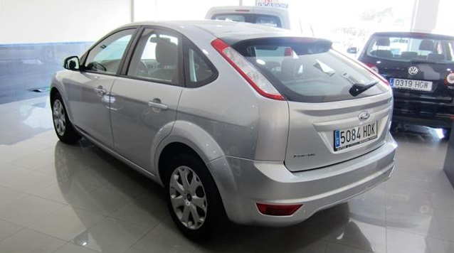 Left hand drive FORD FOCUS 1.6 Trend Aut. Spanish Reg