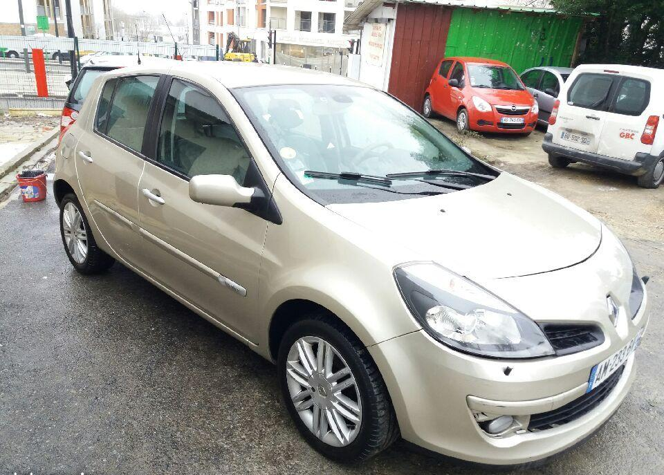 Left hand drive RENAULT CLIO III 1.6 initiale FRENCH REG