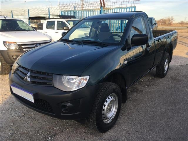 Left hand drive MITSUBISHI L200 2.5DI-D Single Cab M-PRO Spanish Reg