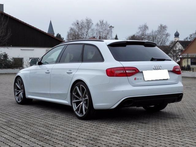 Lhd AUDI RS4 (12/2015) - white - lieu: