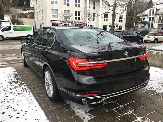 BMW 7 SERIES (03/2017) - black - lieu: