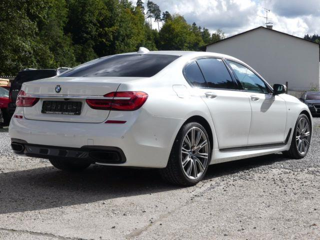 BMW 7 SERIES (01/2017) - white