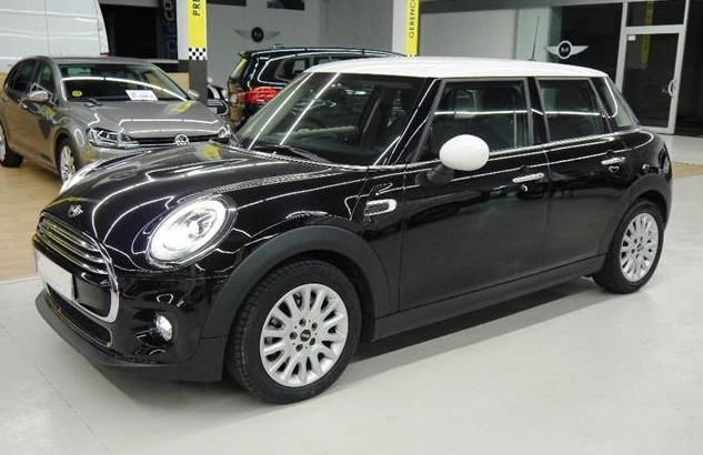 Left hand drive MINI COOPER Pepper 5p Spanish Reg