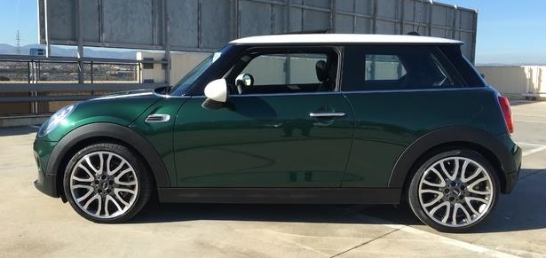Left hand drive MINI COOPER 100 kW Spanish Reg