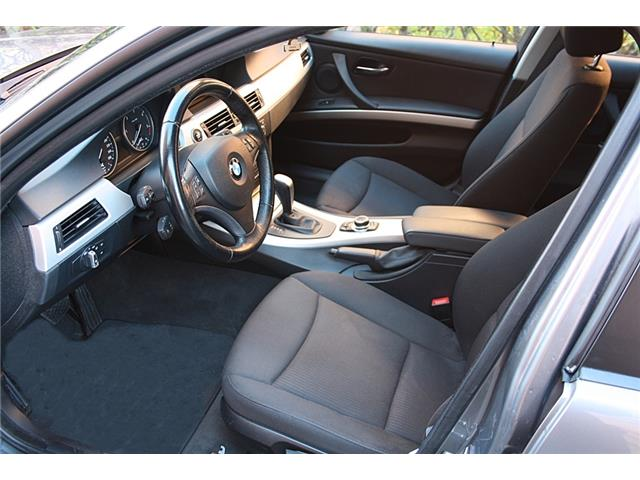 BMW 3 SERIES (12/2008) - grey - lieu: