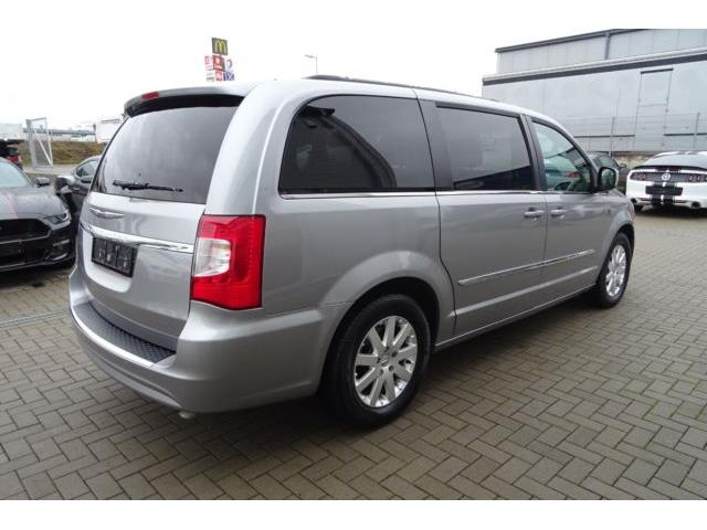 Left hand drive CHRYSLER GD VOYAGER Town & Country.Automati