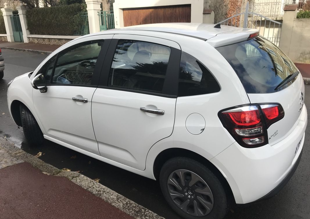 Left hand drive CITROEN C3  puretech confort 68 FRENCH REG
